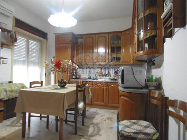 Appartamento in buone condizioni arredato in affitto Rif. 5707831