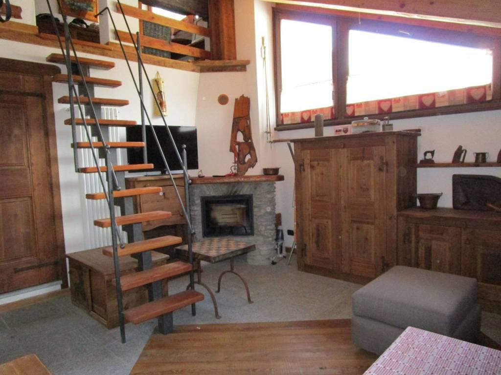 Appartamento in ottime condizioni arredato in affitto Rif. 5714875