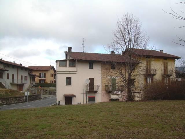 Casa indipendente quadrilocale in vendita a Biella (BI)