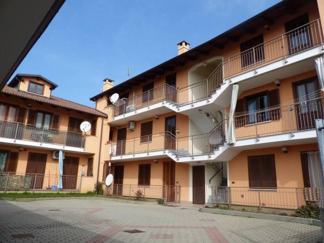 Appartamento in ottime condizioni arredato in affitto Rif. 5724435