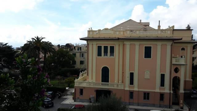 Appartamento in Affitto a Genova Semicentro Est: 4 locali, 115 mq