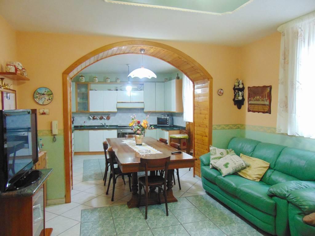Villa in buone condizioni in vendita Rif. 7473059