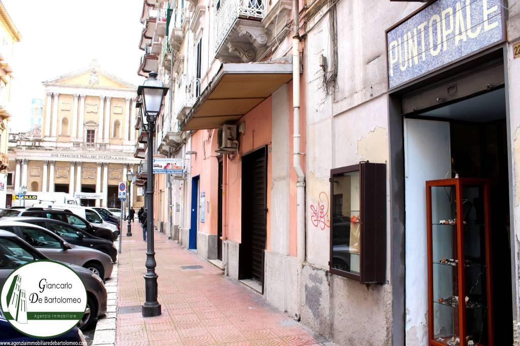 Taranto - Locale in Via Anfiteatro (Borgo-centro città)