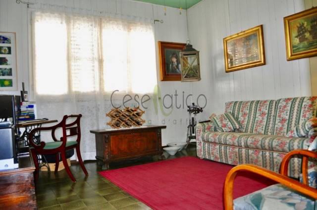 Casa indipendente in Vendita a Cesenatico Centro: 5 locali, 140 mq