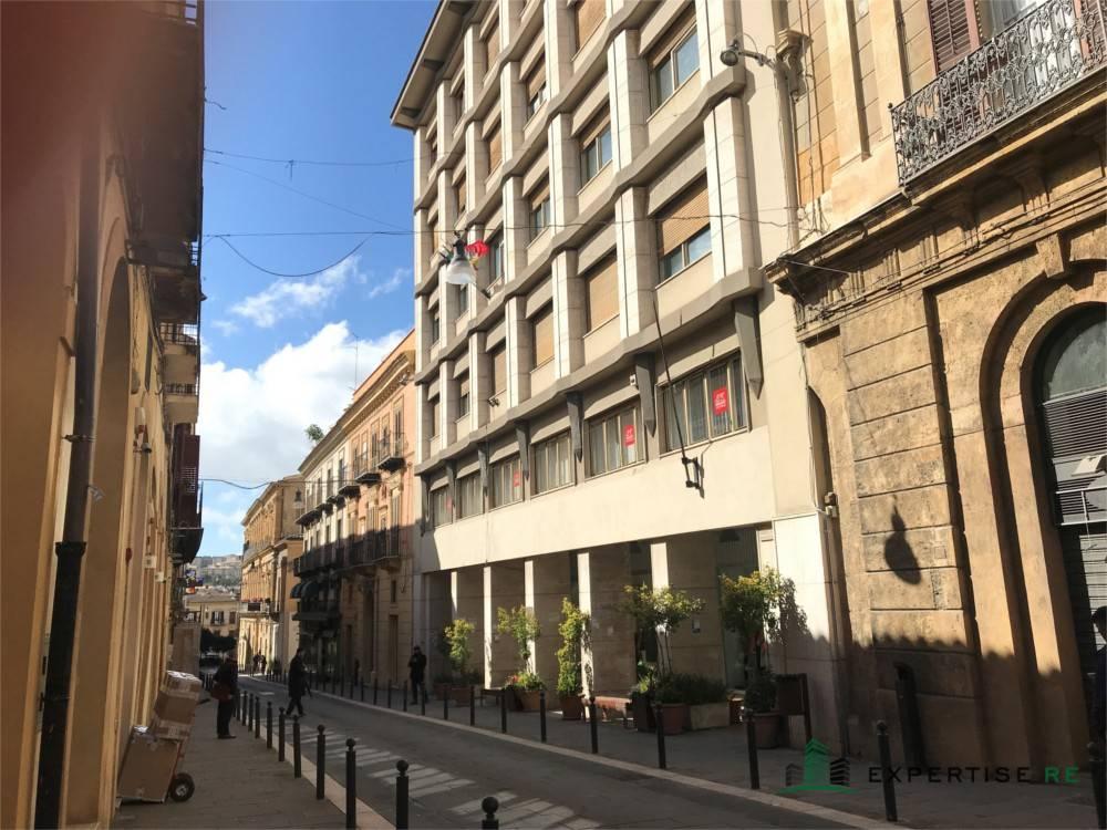 Ufficio 5 locali in vendita a Caltanissetta (CL)