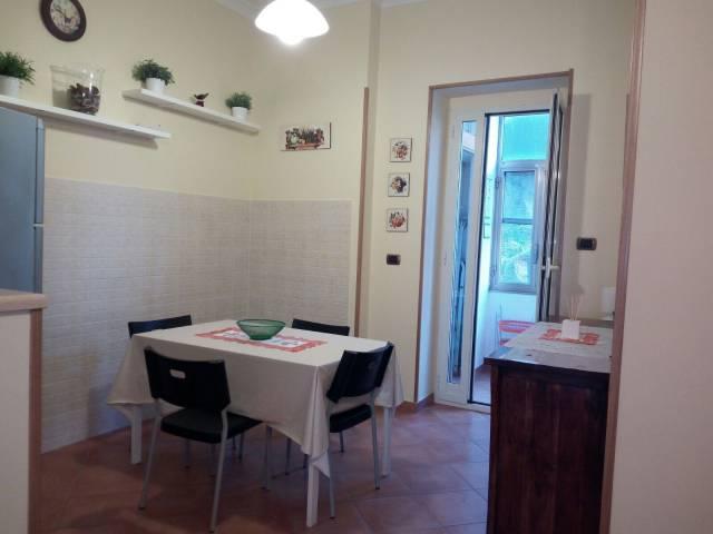 Appartamento in affitto a Mercato San Severino, 4 locali, prezzo € 500 | CambioCasa.it