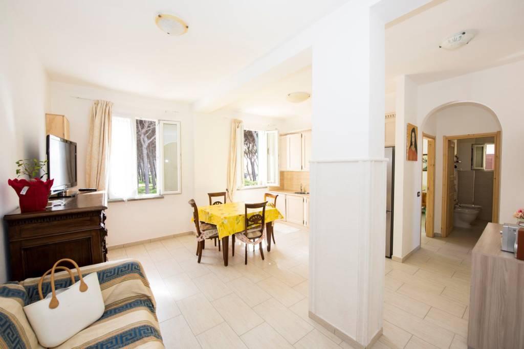Appartamento in ottime condizioni parzialmente arredato in vendita Rif. 8492473