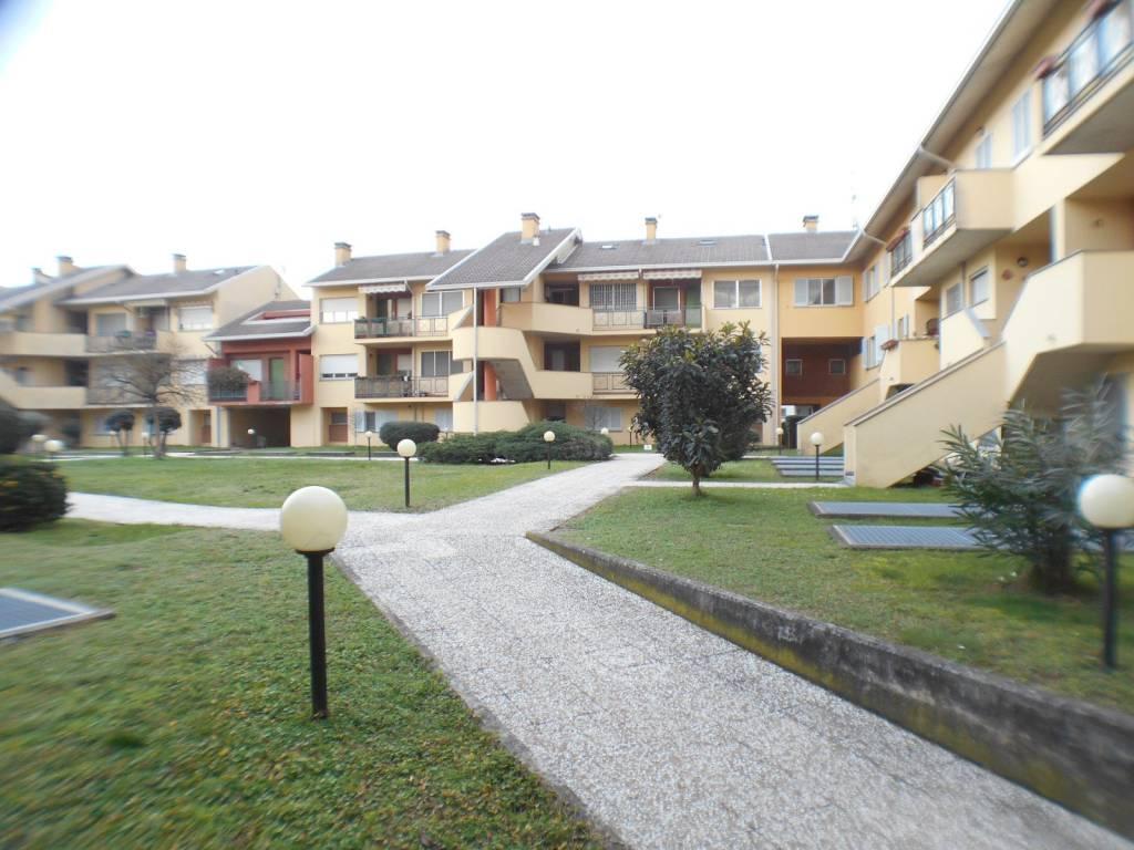 Appartamento in buone condizioni in vendita Rif. 5734047