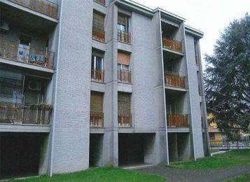 Appartamento in buone condizioni in vendita Rif. 8413367