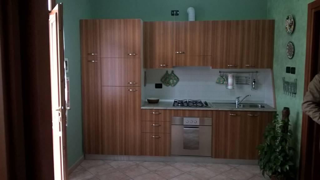 Appartamento in ottime condizioni arredato in affitto Rif. 9480267