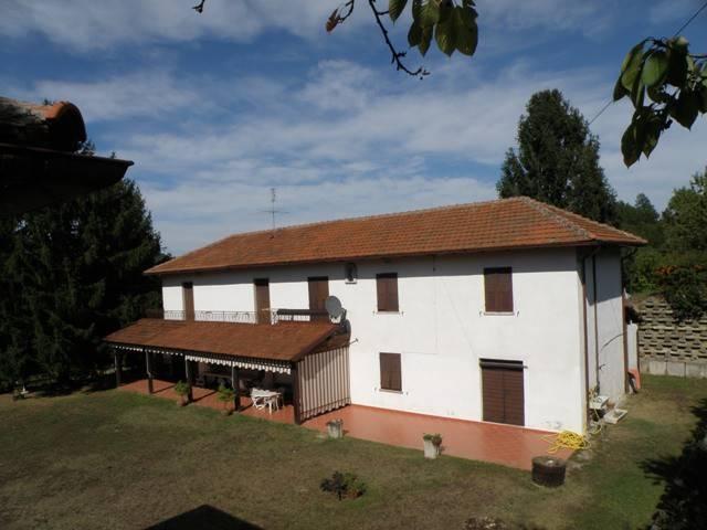 Rustico / Casale in vendita a Bubbio, 8 locali, prezzo € 330.000 | PortaleAgenzieImmobiliari.it