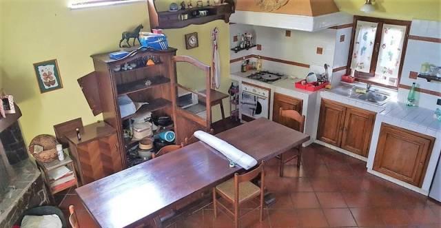 Appartamento in vendita a Mazzano Romano, 3 locali, prezzo € 50.000   CambioCasa.it