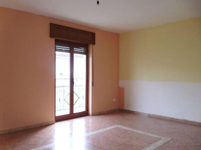 Appartamento in buone condizioni in affitto Rif. 5746737