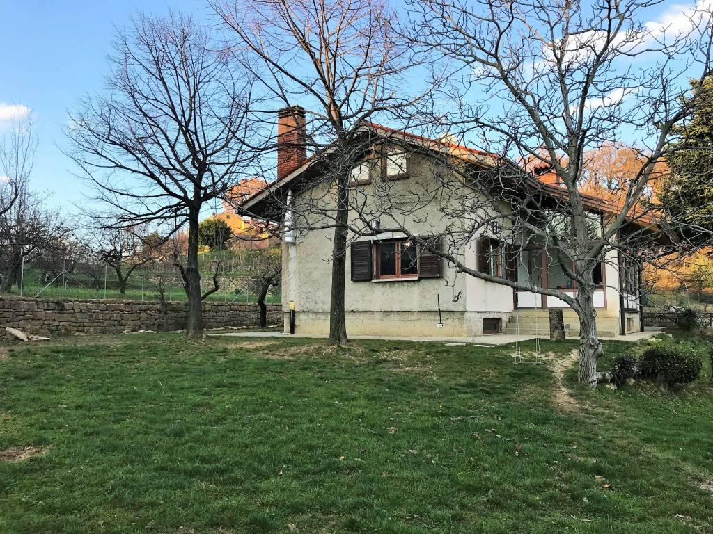 Villa in ottime condizioni parzialmente arredato in vendita Rif. 5750180