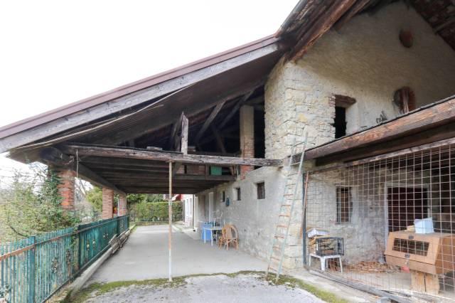 Rustico-casale in Vendita Belluno via Travazzoi