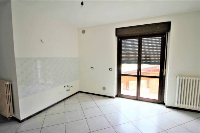 Appartamento in buone condizioni in affitto Rif. 6102096