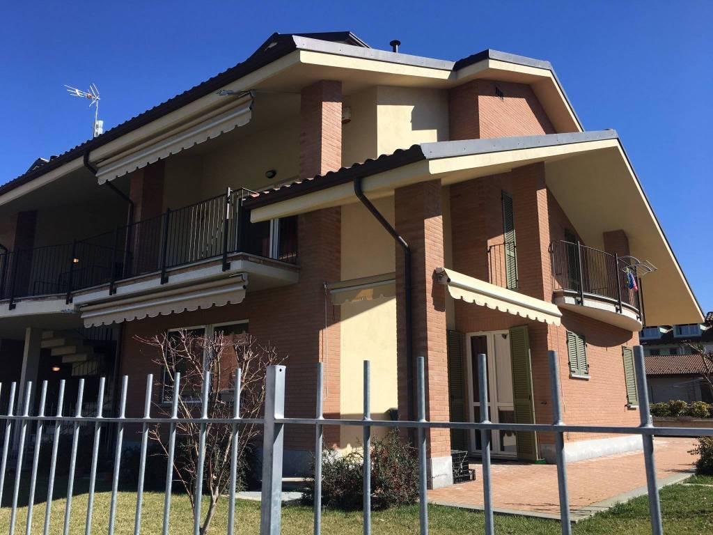 Appartamento in vendita a Riva Presso Chieri, 4 locali, prezzo € 235.000 | CambioCasa.it