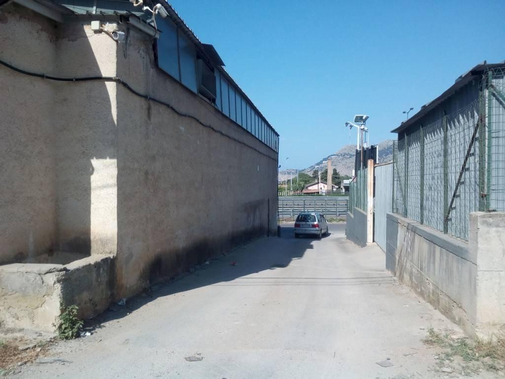 Terreno commerciale in Affitto a Palermo Periferia Nord: 4000 mq