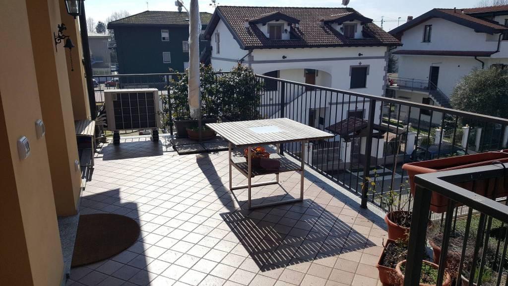 Appartamento in ottime condizioni in vendita Rif. 8465270