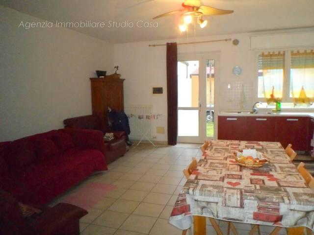 Appartamento in buone condizioni in vendita Rif. 5764777