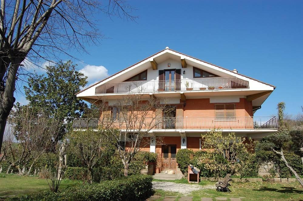 Appartamento in vendita a Sacrofano, 4 locali, prezzo € 130.000 | CambioCasa.it