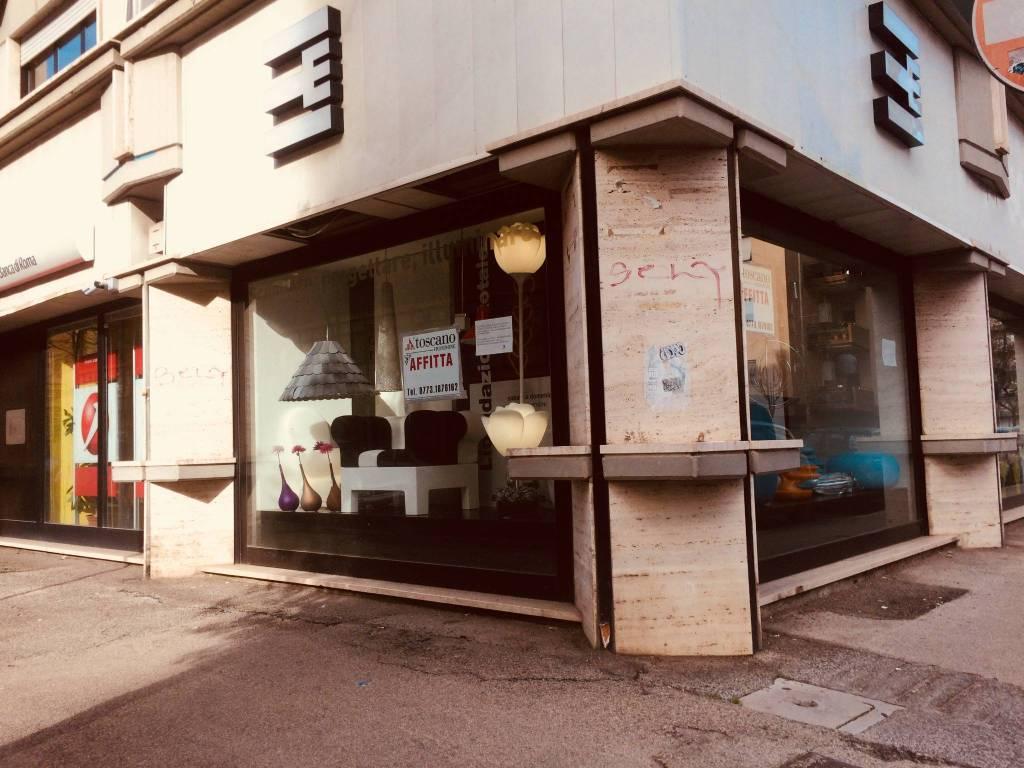 Locale commerciale nel centro della città Rif. 4575680