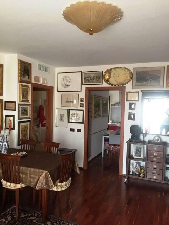 Appartamento in buone condizioni arredato in vendita Rif. 5769006