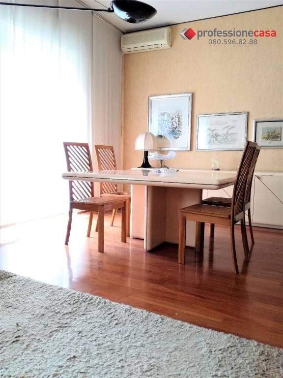 Appartamento in vendita a Bari, 5 locali, prezzo € 310.000 | CambioCasa.it