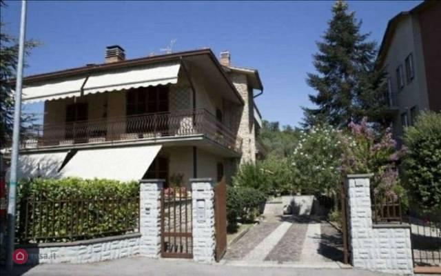 Villa in Vendita a Chiusi: 5 locali, 190 mq