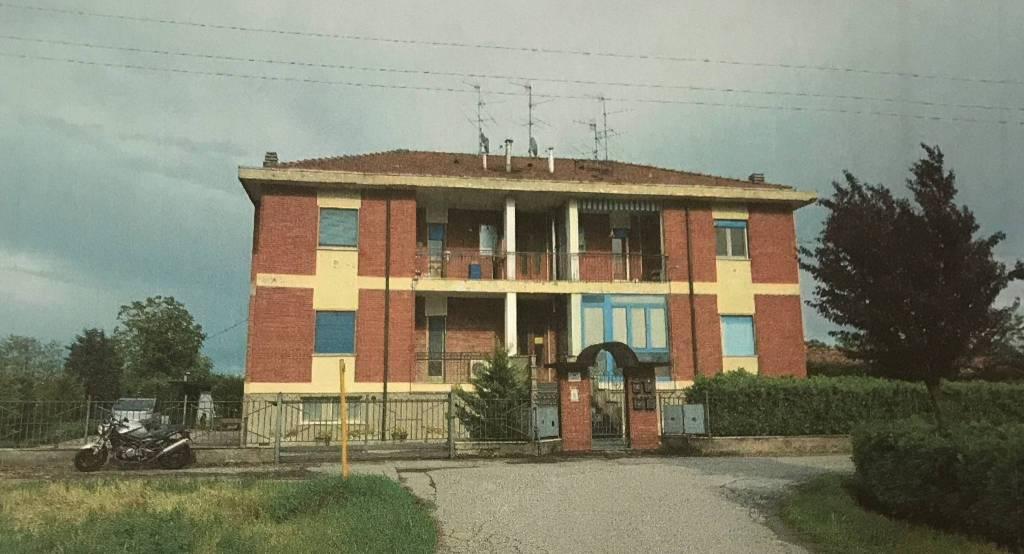 Appartamento in buone condizioni in vendita Rif. 7771492
