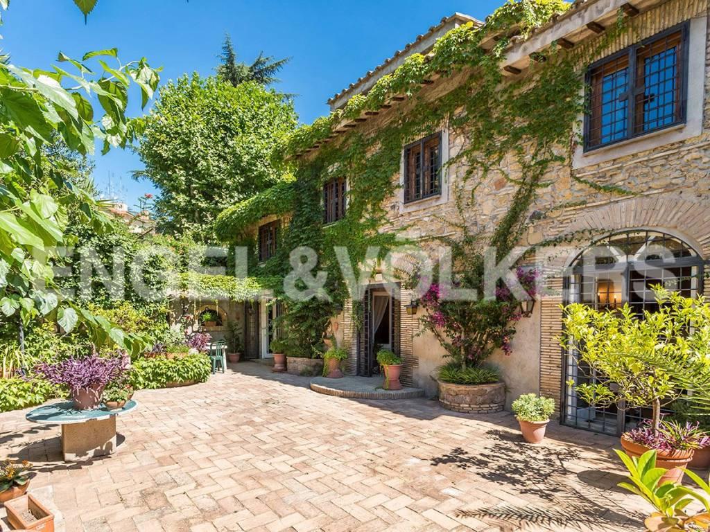 Villa in Vendita a Roma 32 Trionfale / Montemario: 5 locali, 240 mq