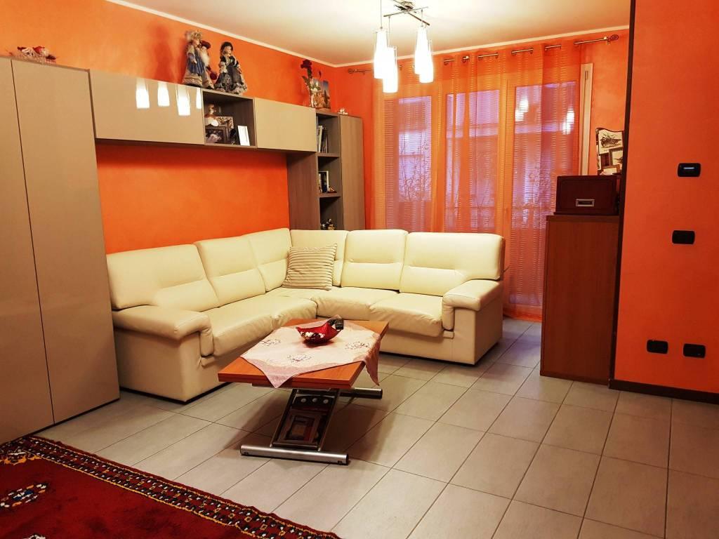 Appartamento in ottime condizioni in vendita Rif. 8674958