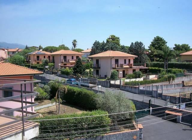Villa in Vendita a Mascalucia Centro: 5 locali, 120 mq