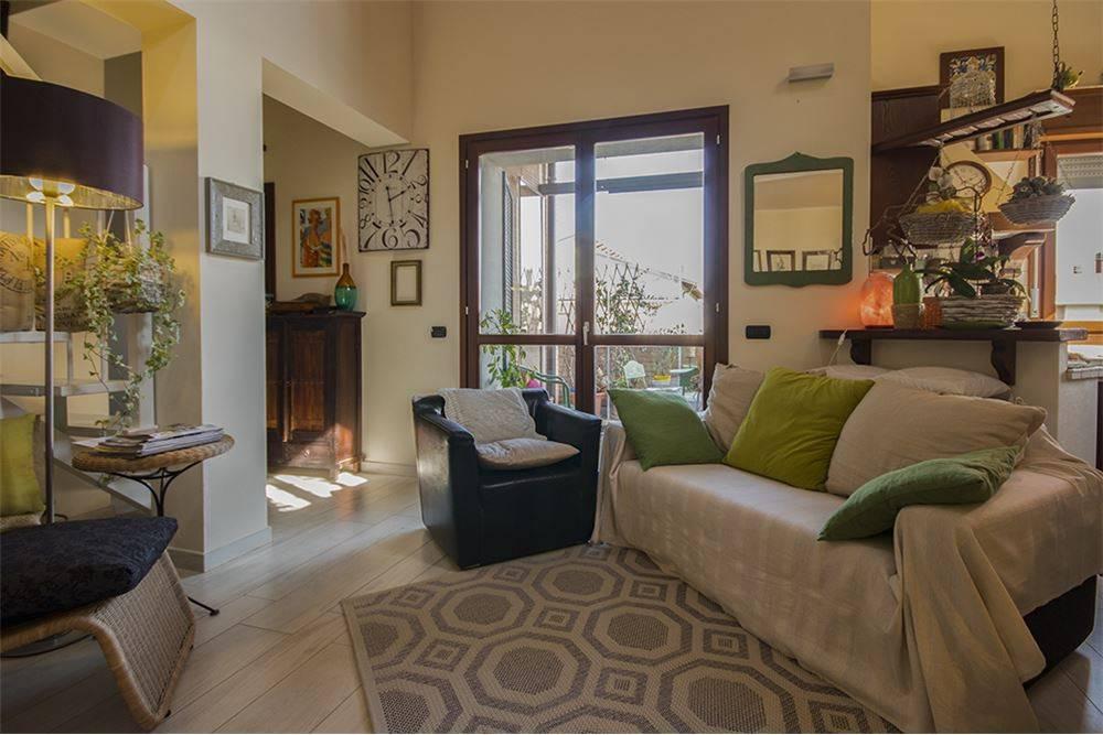 Appartamento parzialmente arredato in vendita Rif. 7620459