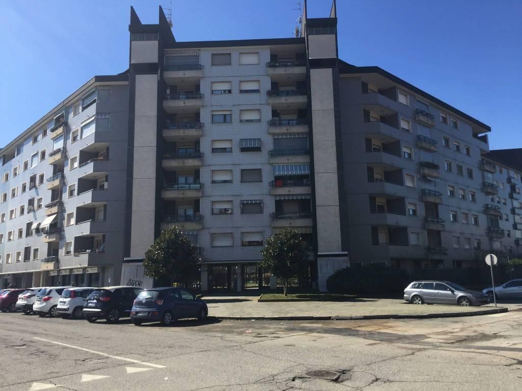 Appartamento in buone condizioni in vendita Rif. 8914710