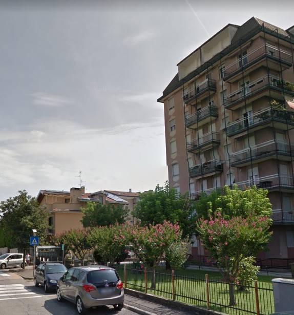 Appartamento in buone condizioni in vendita Rif. 8640378