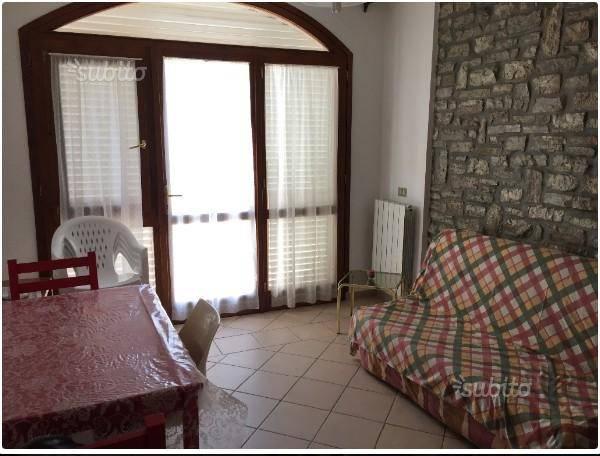 Appartamento in ottime condizioni arredato in affitto Rif. 7946623