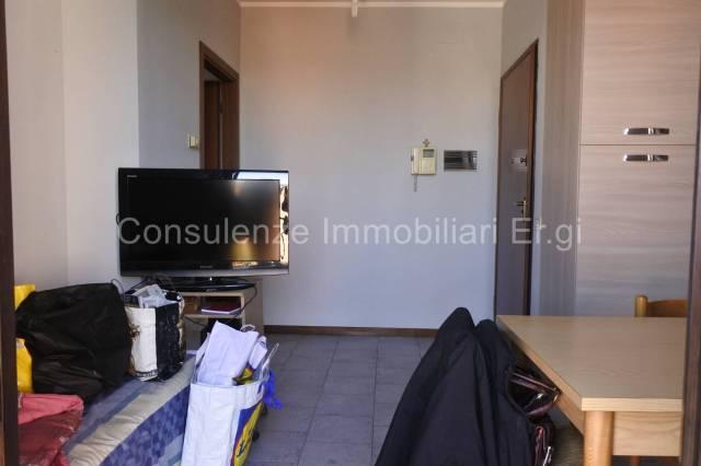Appartamento in buone condizioni arredato in affitto Rif. 5780708