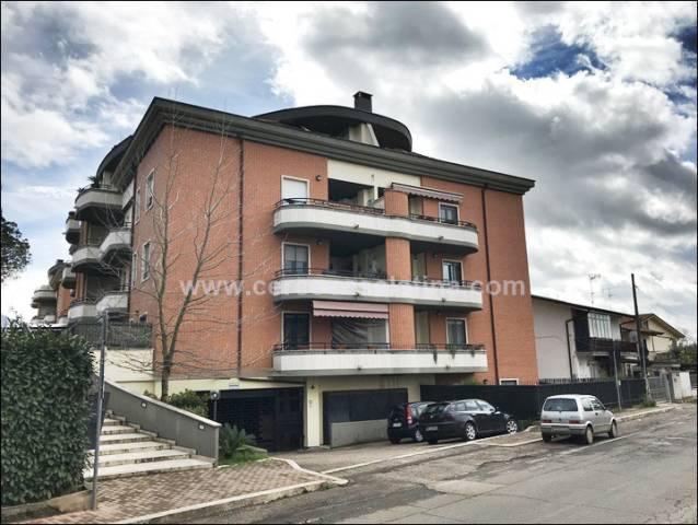 Appartamento in ottime condizioni in vendita Rif. 5783301