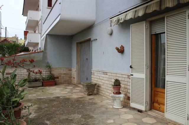 Appartamento in Vendita a Tuglie Centro: 4 locali, 173 mq