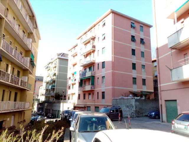 Appartamento in buone condizioni in vendita Rif. 5796194