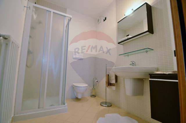 Appartamento in ottime condizioni in vendita Rif. 4555178