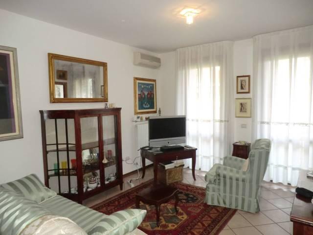 Appartamento in ottime condizioni in vendita Rif. 5811571