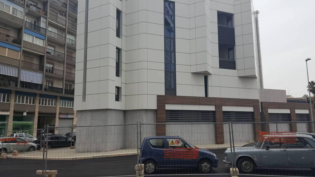 Ufficio quadrilocale in affitto a Bari (BA)