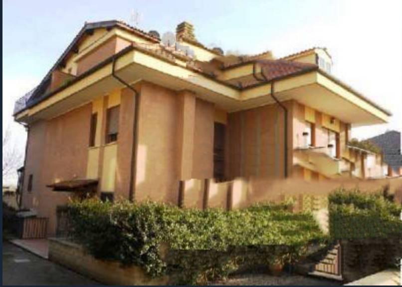 Appartamento in buone condizioni in vendita Rif. 7578385