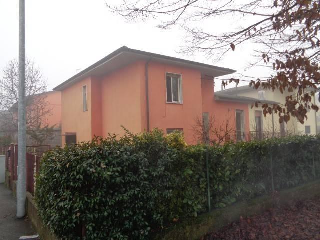 Villa a Schiera in vendita a Spinadesco, 4 locali, prezzo € 73.000 | PortaleAgenzieImmobiliari.it