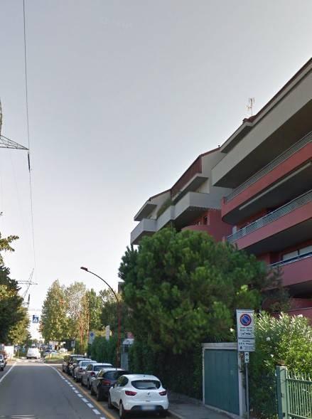 Appartamento in buone condizioni in vendita Rif. 9241077