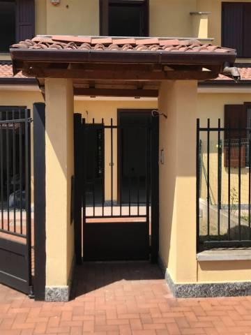 Villa in Vendita a Bornasco Periferia: 4 locali, 141 mq
