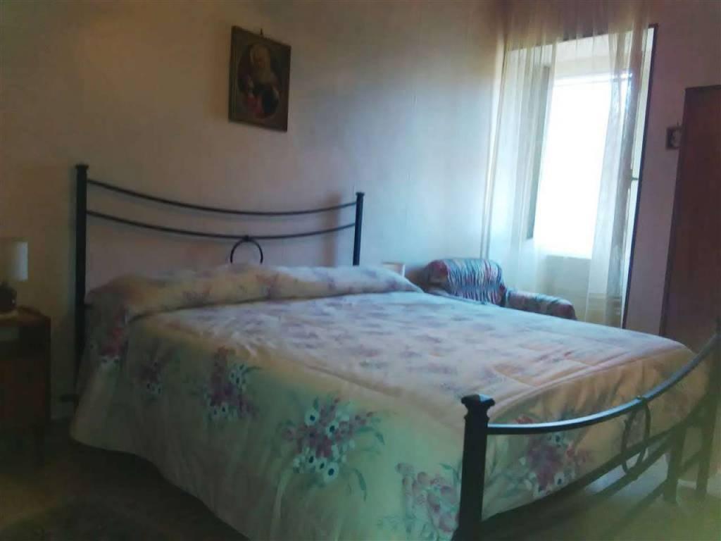 Appartamento in vendita a Vetralla, 5 locali, prezzo € 90.000 | CambioCasa.it