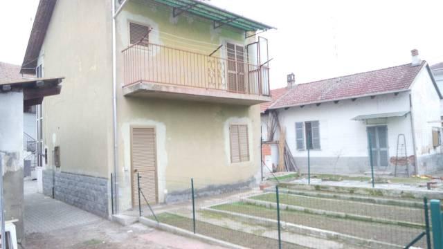 Casa Indipendente in buone condizioni parzialmente arredato in vendita Rif. 5820034